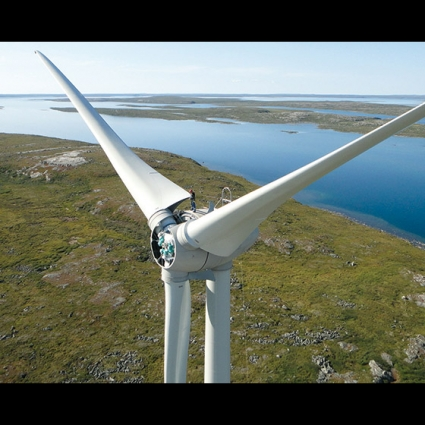 Turbine installation at the Diavik Diamond mine. With the span of the blades the turbine reach an impressive height of 100 mts